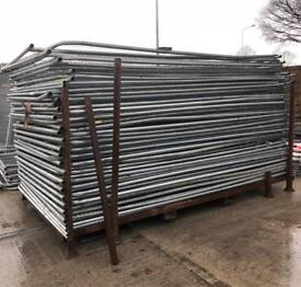 🚧 35 USED HERAS FENCING SET > TEMPORARY SECURITY FENCING > PANELS/FEET/CLIPS