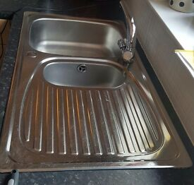 Stainless Steel Kitchen Sink & Mixer Taps