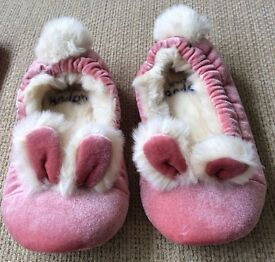 Mini Boden Brand New Girls fluffy bunny slippers size 25 in pink