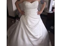 Stunning Ivory wedding dress size 14-18