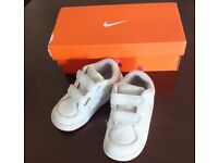 Nike Revolution3 Girls trainers, leather 7,5 size RRP 21.99£