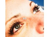 £40 classic eyelash extensions £60 Russian volume eyelash extensions 💖💖💖