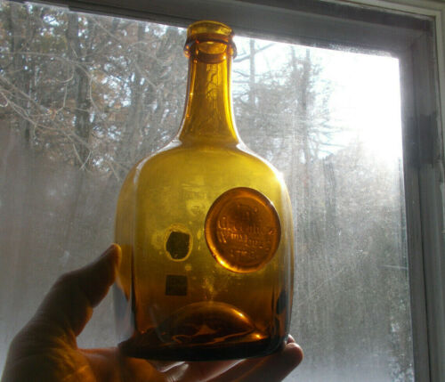 AMBER JNO GREENHOW WILLIAMSBURG 1770 APPLIED SEAL HAND BLOWN REPRO BOTTLE W/TAGS