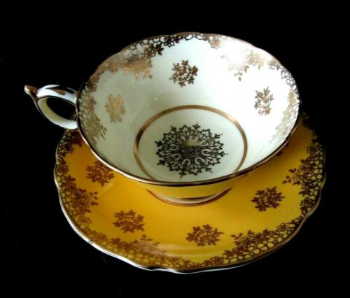 Paragon Yellow Gold Gilt Medallion Teacup and Saucer Set Double Warrant Vintage