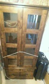 Laura Ashley garrat 2 door display cabinet (chestnut)