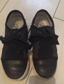 Boys navy blue Lanvin Trainers Size 11