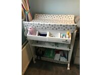 Babylo baby changing table and bath