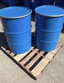 LARGE QUANTITY OPEN TOP STEEL BARRELS