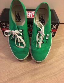 Vans Authentic Green UK 5