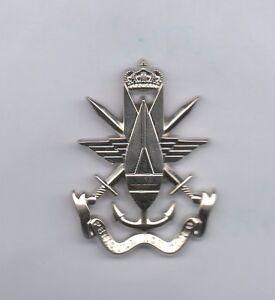 NEW-Belgian-Bomb-Disposal-EOD-metal-beret-badge-tri-service