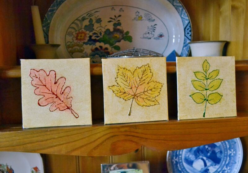 I like these little canvases to sit on shelves, window sills and mantelpieces, but they will also look good on the wall.