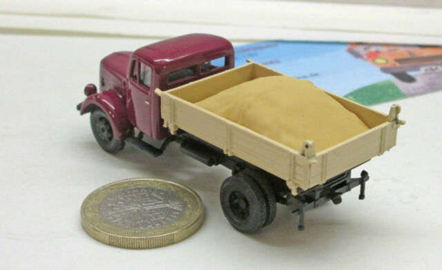 Herpa 745741 Mercedes-Benz L 3000 Flatbed Truck with Charge