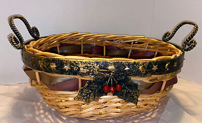 Holiday Metal Stars,moons And Holly Berries Wicker Basket W/ Woven Colors 15in