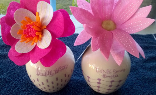 Lot of 2~Hallmark Sunny Thoughts Flower and Vase~Easter or Mothers Day Gift Idea