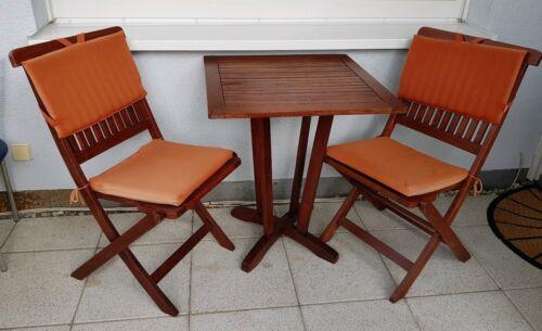Gartentisch mit 2 Stühlen aus Massivholz