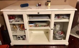 Immaculate Hutch/Buffet/Cabinet White Price DROP