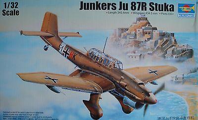 TRUMPETER® 03216 Junkers Ju87R Stuka in 1:32