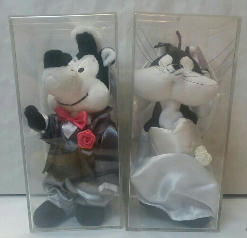 Warner Bros Store~Pepe Le Pew Groom & Penelope Bride Bean Bag Plushes~With Cases