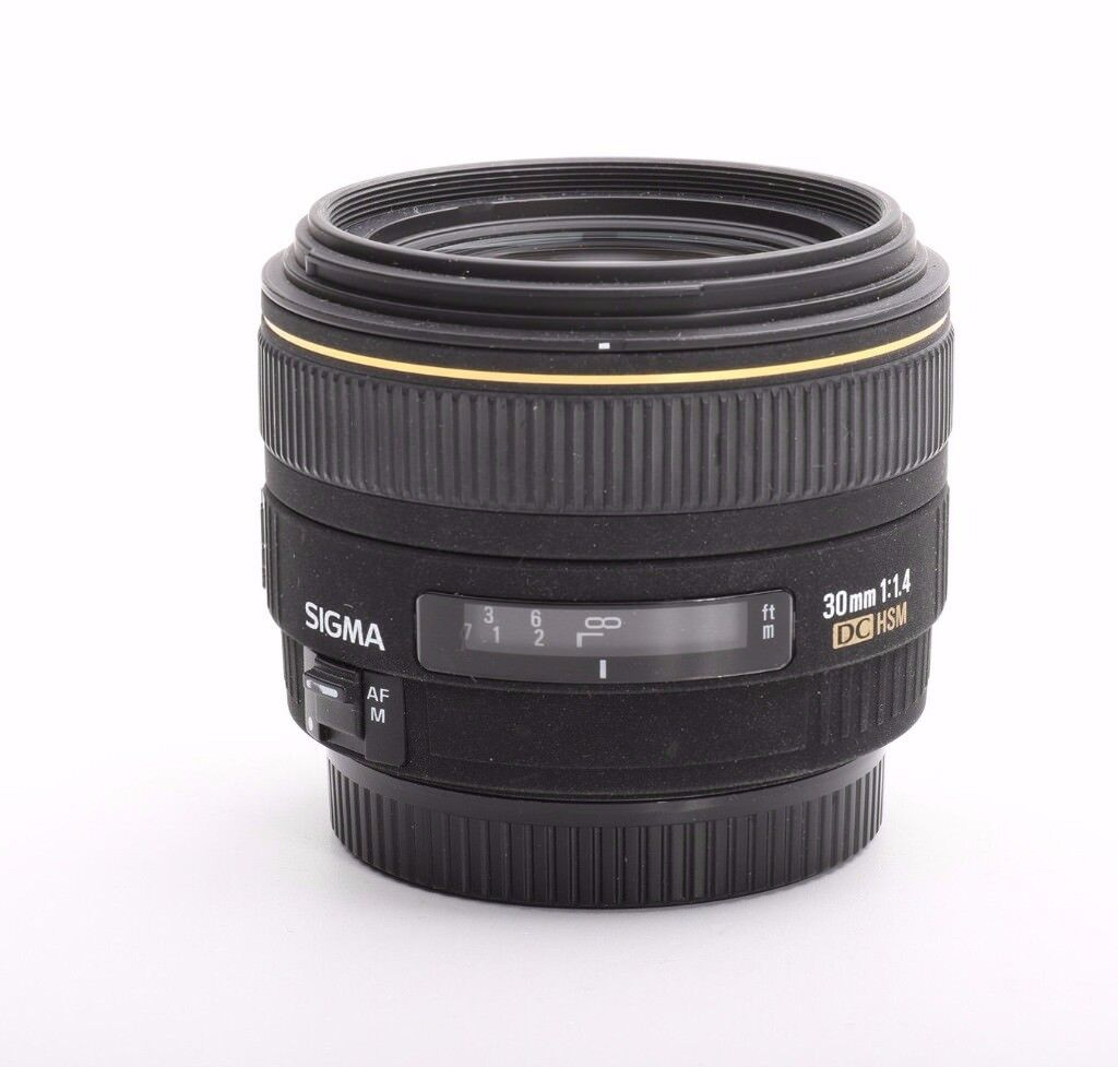 Canon Sigma 30 mm 1.4 EX DC USM for Canon