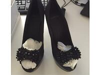 Carvela U.K. 4 Black heeled shoes