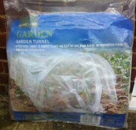 GARDEN GROW TUNNEL CLEAR POLYTHENE 3M LONG ( NEW, UNUSED )