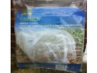 GARDEN GROW TUNNEL CLEAR POLYTHENE 3M LONG ( NEW, UNUSED )