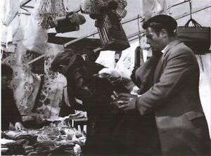 VERA-FOTO-REAL-PHOTO-MARCELLO-MASTROIANNI-I-SOLITI-IGNOTI-1958-Cm-18x24