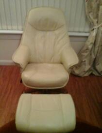 Swivel recliner chair