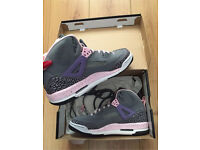 Grey and pink Nike Jordan spizike trainers size 6 £75 Ono