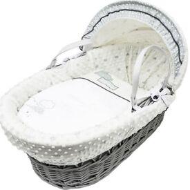 Gorgeous unisex moses basket grey