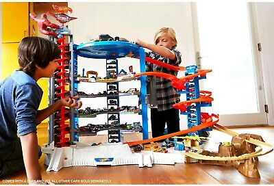 Super Ultimate Pterodactyl Garage the BIGGEST Hot Wheels playset EVER!