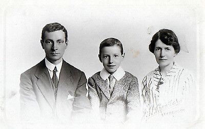 Antique Original Postcard - Family, (RP)
