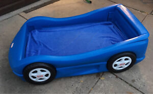 Car Toddler bed and cabinet (Little Tikes)