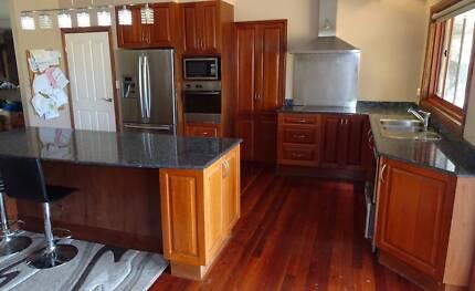 Complete Kitchen with granite benchtop
