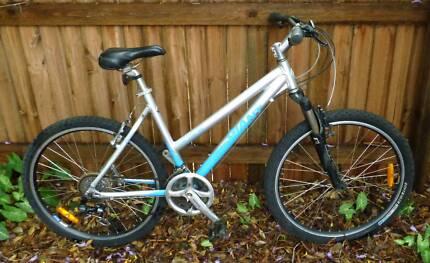 """Giant Upland SE 19"""" Large Frame Mountain Bike"""