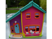 Polly Pocket Magnetic House
