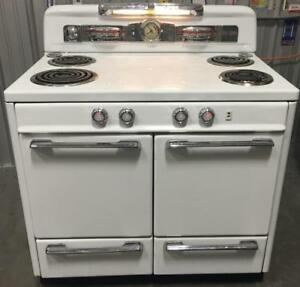 EZ APPLIANCE ANTIQUE MOFFAT OVEN $1000 FREE DELIVERY 403-969-6797