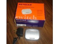 NETGEAR FS605 v2 5-Port Fast Ethernet Switch 10/100 mbps