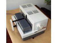 Vintage Aldis Q1=24 Slide Projector