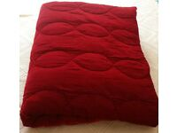 *New Rich Re/Burgundy Velvet Quilt/Bedspread/Throw: 265 x 270cm King Size: Dual Purpose: Christmas
