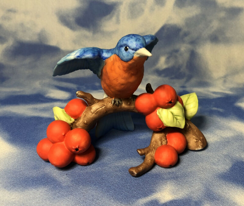 HTF National Audubon Society Hand Porcelain Bluebird Figurine Berries GUC As Is