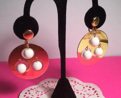 PAIR OF RETRO COOL VINTAGE DANGLE CLIP ON EARRINGS ROUND DISCS W/LUCITE BALLS - Cool Couple Costume