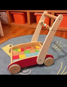 Push-toy with blocks - early learning center - 12m+