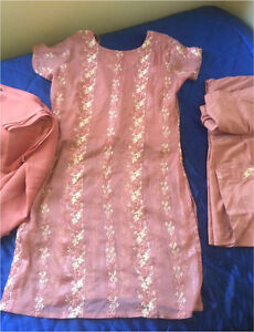 Indian brown embroidered heavy work dress size Small Harris Park Parramatta Area Preview