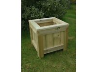 MADE TO SIZE CONTEMPORARY AND RUSTIC GARDEN PLANTERS