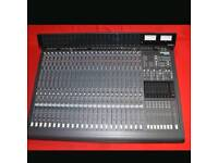 Mackie 24 - 8 Mixing Console
