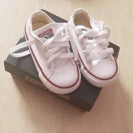White infant converse size 6