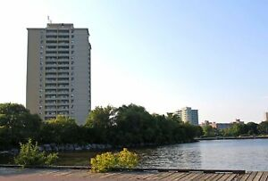 Jr. 1 BR, All Inclusive-Located along Lake Ontario (Port Credit)