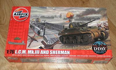 1/76 AIRFIX WWII LCM MKIII LANDING SHIP AND SHERMAN TANK