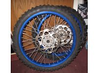 Motocross wheels and tires set